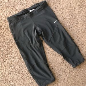 Nike Dri-fit Gray Capri legging, medium